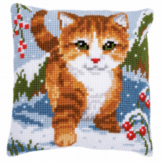 Cushion: Cat in the Snow