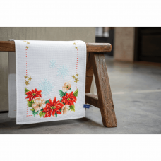 Table Runner: Christmas Flowers
