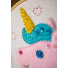 Embroidery Kit with Ring: Unicorn