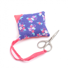 S&W Collection: Pillow Pin Cushion with Scissors: Bicycles